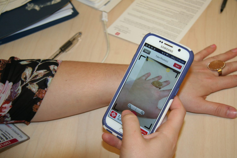 Taking consult photo using app