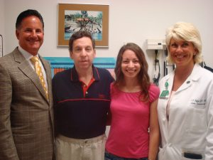 Hillary Yaffe with her dad and their transplant surgeons, Dr. James Pomposelli and Dr. Elizabeth Pomfret.