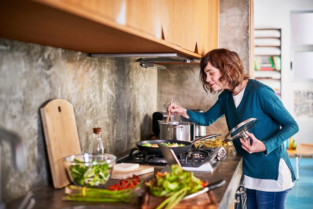 mindful cooking and eating helps you enjoy moments in the kitchen