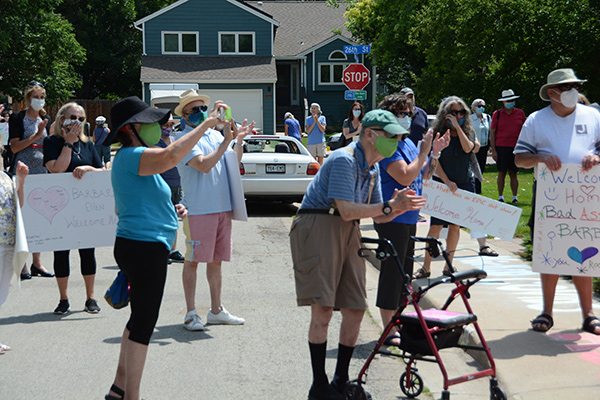 ECMO treatments for COVID helped Barbara Gould. She made it home this week and friends and neighbors surprised her.
