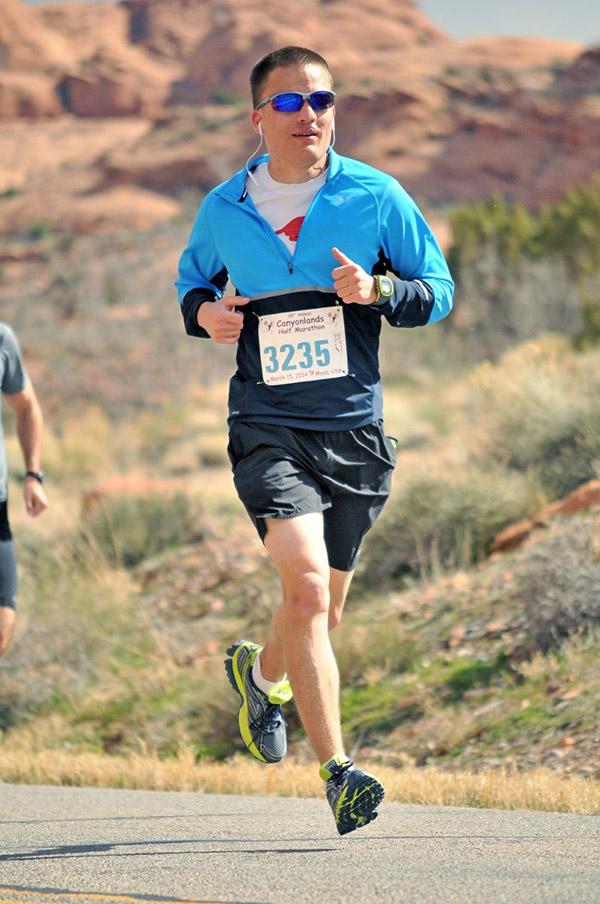 running with a heart defect - Matt Johnston during a race at Canyonlands National Park.