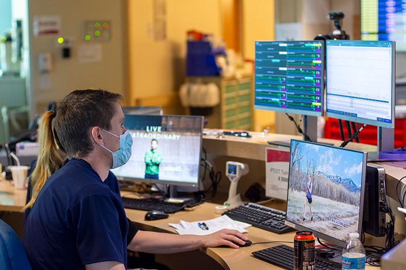 UCHealth staff monitor patients at Memorial Hospital's ICU. Photo: UCHealth.