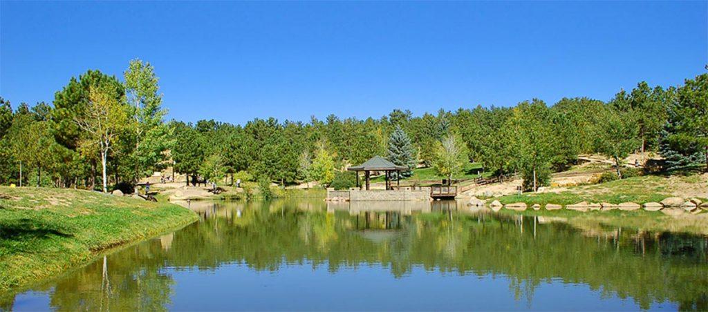 lake and picnic area at Fox Run Regional Park in Colorado Springs.