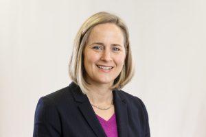 Dr. Elisa Knutsen