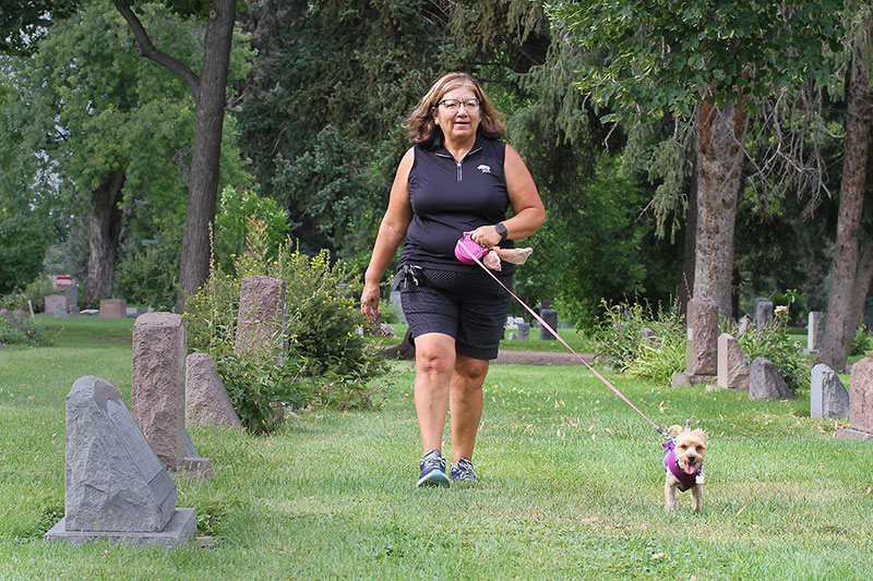 Gloria walks to her mother's grave to talk to her about how genetics won't get in her way of staving off Type 2 diabetes.
